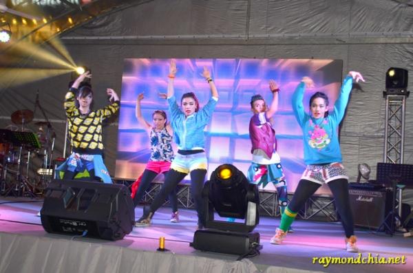 dance show at Gurney Plaza