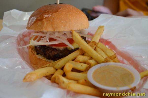 Burger Junkyard -20140501-2019