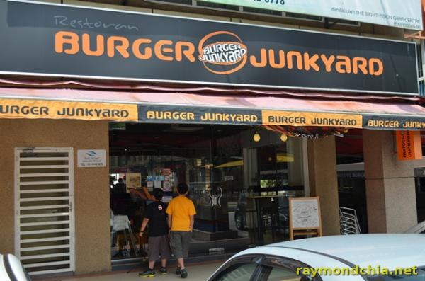 Burger Junkyard -20140501-2039