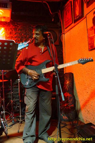 Ray Vijay Simon-20140808-00837