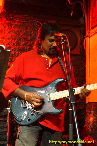 Ray Vijay Simon-20140808-00838