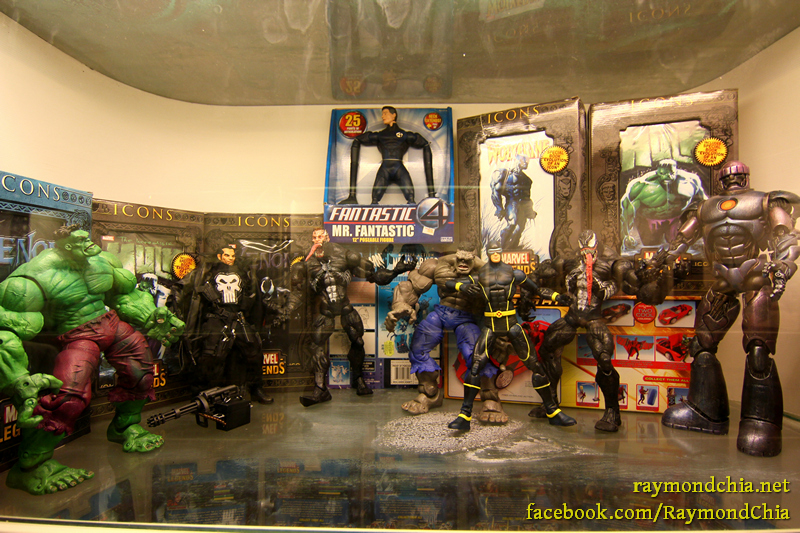 Super heroes action figures